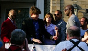 Rod Blagojevich makes remarks in front of his Chicago residence