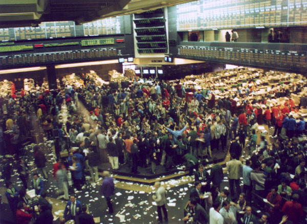 Traders handling orders in the pit